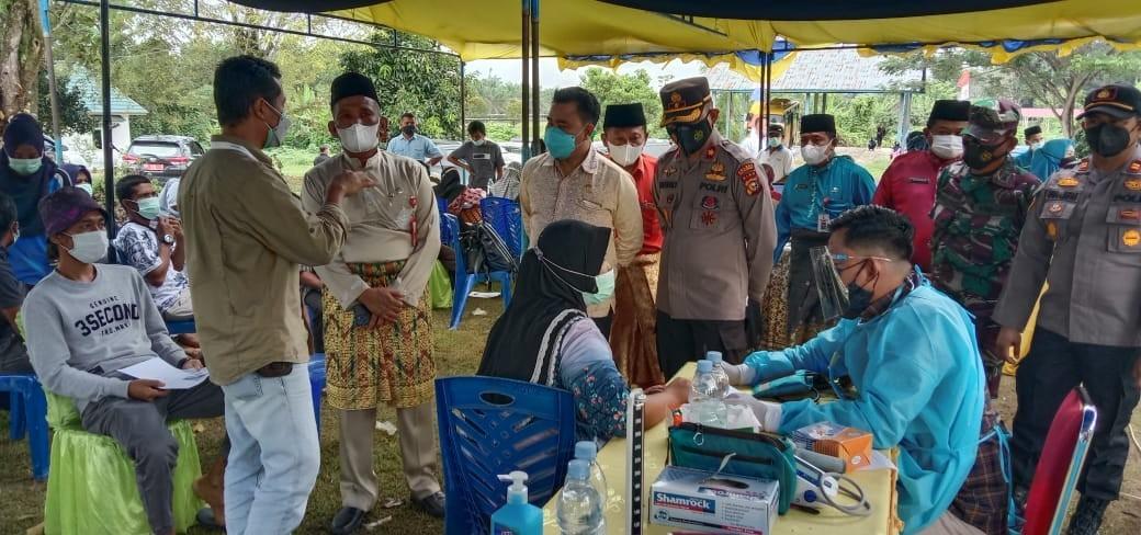 Sekda H.Tengku Mukhlis Tinjau Vaksinasi Gotong Royong